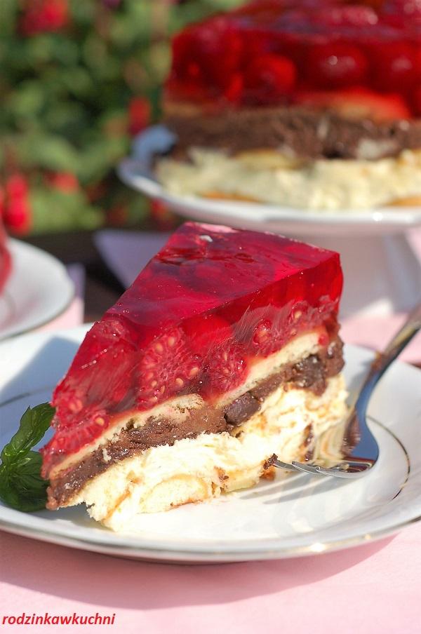 Ciasto lodowiec, ciasto z kremem budyniowym czarnym i białym, warstwami biszkoptów, z malinami i galaretką