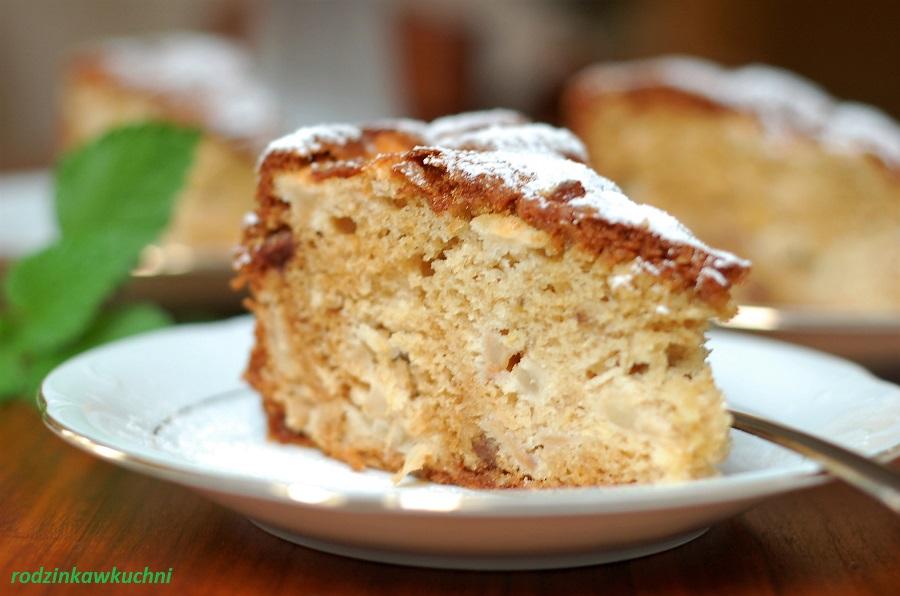 Ciasto na oleju z jabłkami, rodzynkami i imbirem