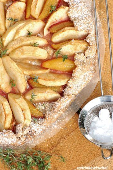 Rustykalna tarta ze śliwkami i jabłkami