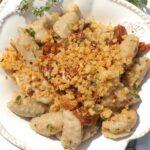Makaron jeżyki z suszonymi pomidorami i chrzanowym parmezanem