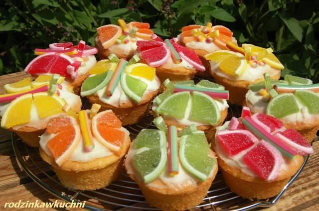 Babeczki motylki_ciasto ucierane_cupcakes_babeczki z kremem_dania dla dzieci_kinderbal