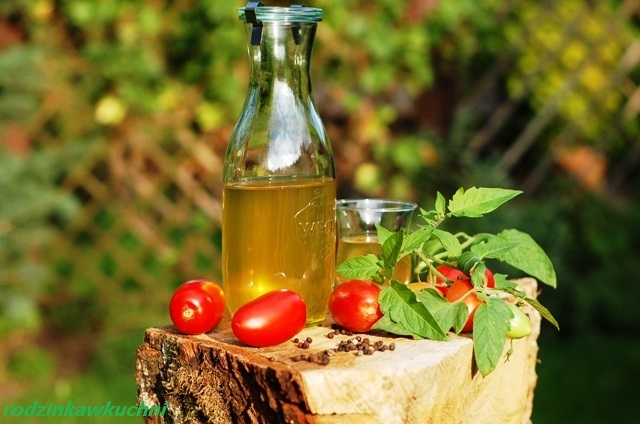 biały sok pomidorowy_domowy sok pomidorowy_przetwory na zimę_słone przetwory