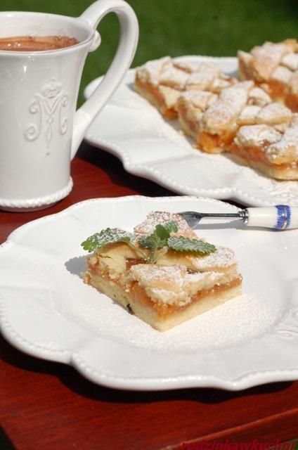 brzoskwiniowa szarlotka_kruche ciasto z owocami_tarta lincka