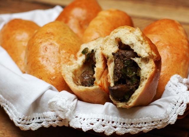 Bułki z grzybami_słone wypieki_domowe pieczywo_jesienne przepisy_dania wegetariańskie