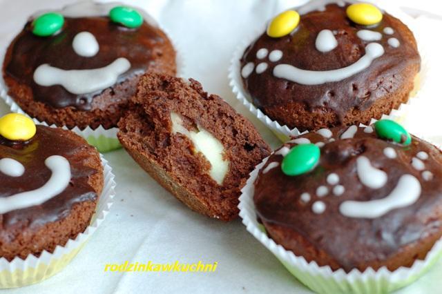 Nadziewane buziaczki_nadziewane czekoladowe muffinki_dania dla dzieci
