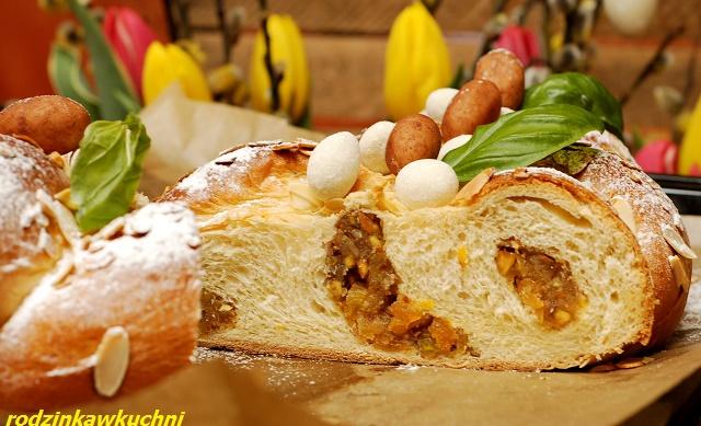 chałka z marcepanem_chałka nadziewana_chałka odświętna_wypieki na Wielkanoc