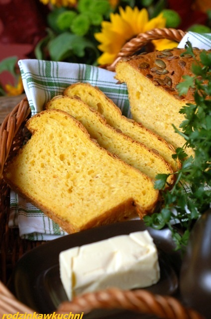 chleb dyniowy_chleb na drożdżach_chleb pszenny_domowe pieczywo