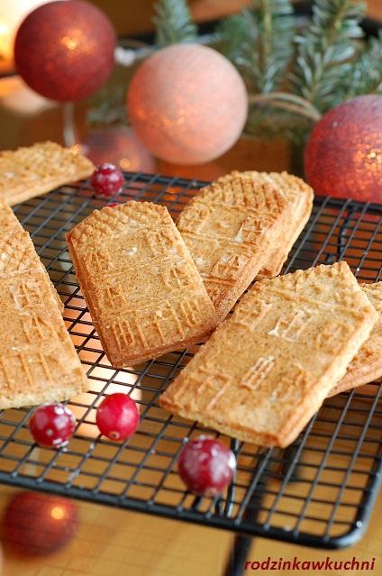 ciasteczka marcepanowe domki_ciastka kruche_ciastka w foremkach