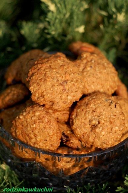 ciasteczka owsiane z dynią i bakaliami_zdrowe ciasteczka_dynia na słodko_warzywa w ciastach