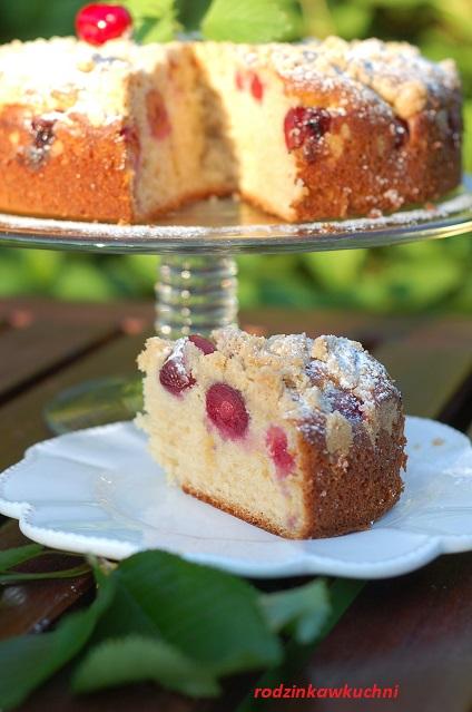 ciasto jogurtowe z czereśniami i kruszonką_ciasto owocowe_ciasto ucierane_ciasto z kruszonką