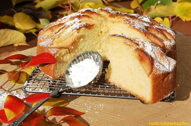 ciasto jogurtowe z jabkami_ciasto kubeczkowe_ciasto błyskawiczne_ciasto olejowe