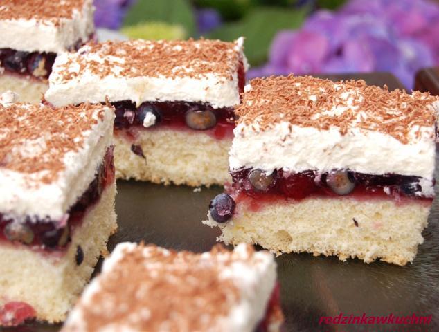Ciasto niemieckie_biszkopt z galaretką_ciasto z kremem_ciasto z owocami