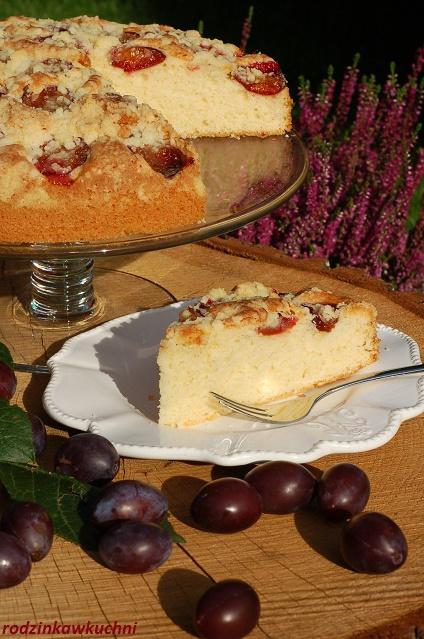 ciasto ucierane ze śliwkami i kruszonką_ciasto z owocami_ciasto z kruszonką