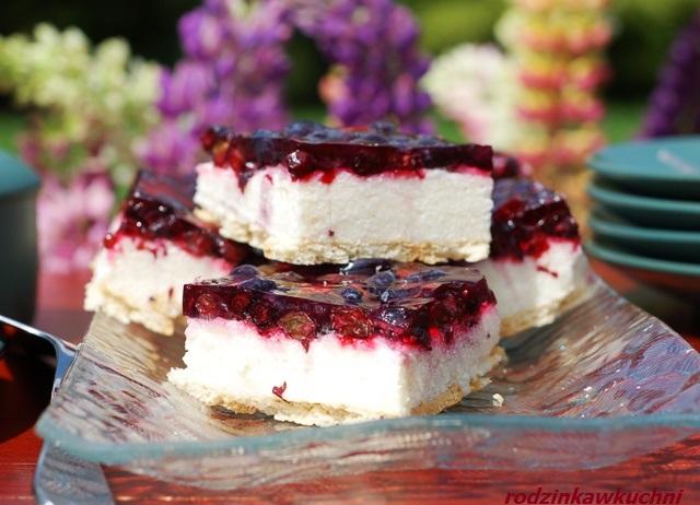 ciasto z kaszy z jagodami kamczackimi_ciasto z galaretką_ciasto bez pieczenia_kasza na słodko