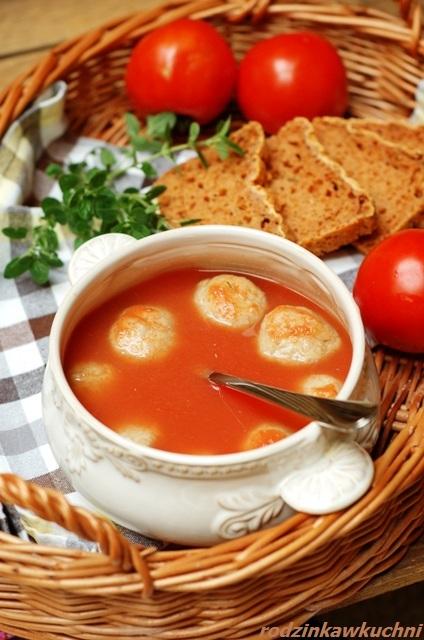 ciorba z pulpetami_pomidorowa z pulpetami_zupa z pulpetami_danie jednogarnkowe_kuchnia rumuńska