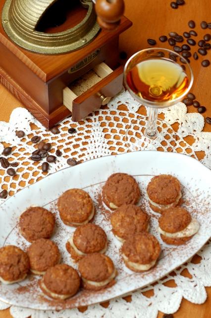 Ciasteczka tiramisu_drobne słodkości_markizy_ciastka z kremem