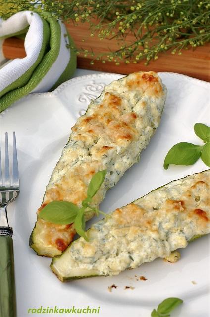 cukinia faszerowana ricottą_warzywa faszerowane_obiad bez mięsa