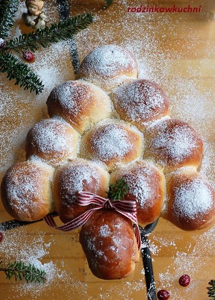 drożdżowa choinka_świąteczne wypieki_bułki drożdżowe_bułki nadziewane