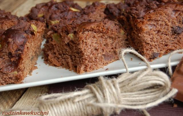 drożdżówka czekoladowa z rabarbarem_ciasto drożdżowe_ciasto czekoladowe_ciasto z rabarbarem
