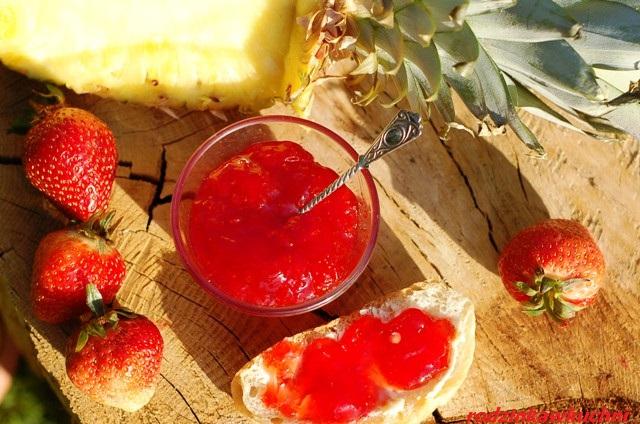 dżem truskawkowo-ananasowy_dżem z cukrem żelującym_domowe przetwory_słodkie przetwory