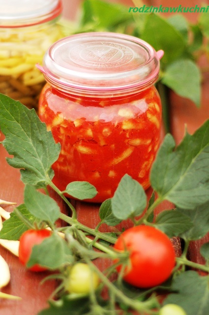 fasolka szparagowa w pomidorach na zimę_słone przetwory_przetwory na zimę