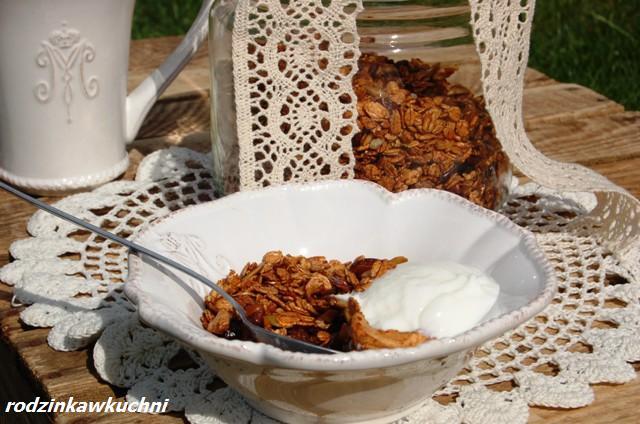 granola orkiszowa_płatki śniadaniowe_danie na śniadanie