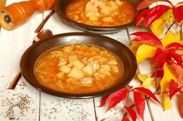 kapustnica_kapusniak ze słodkiej kapusty_zupa rozgrzewająca_danie na chłody
