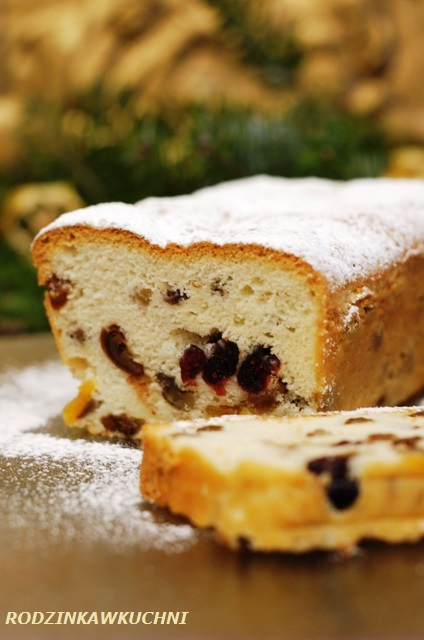keks na białkach_ciasto z bakaliami_wypieki na Boże Narodzenie_keks biszkoptowy