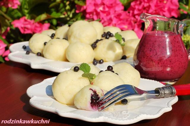 knedle z kaszy jaglanej z jagodami_knedle bezglutenowe_knedle z owocami_danie na lato_obiad na słodko