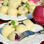 Knedle z kaszy jaglanej (bezglutenowe) z jagodami