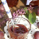 Konfitura ze śliwek z rumem i korzeniami