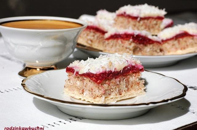 krajanka migdałowo-kokosowa z malinami i białą czekoladą_ciasto bakaliowe_ciasto kostka_ciastko bezglutenowe