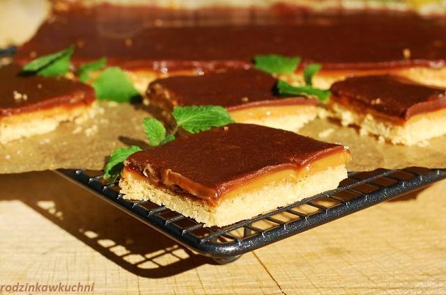 krajanka twix_krajanka z kajmakiem_ciasto z czekoladą i kajmakiem_ciasto jak batoni twix