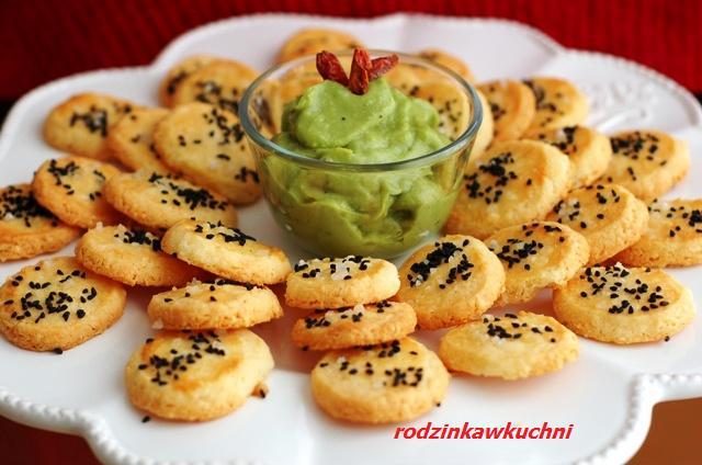 domowe krakersy z pastą awokado_wytrawne wypieki_dip z awokado