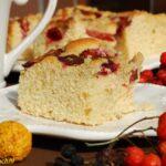 Łatwe ciasto drożdżowe ze śliwkami i kruszonką