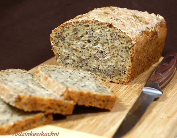 łatwy chleb wieloziarnisty_chleb na zakwasie drożdżowym_chleb dla zdrowia_chleb domowy