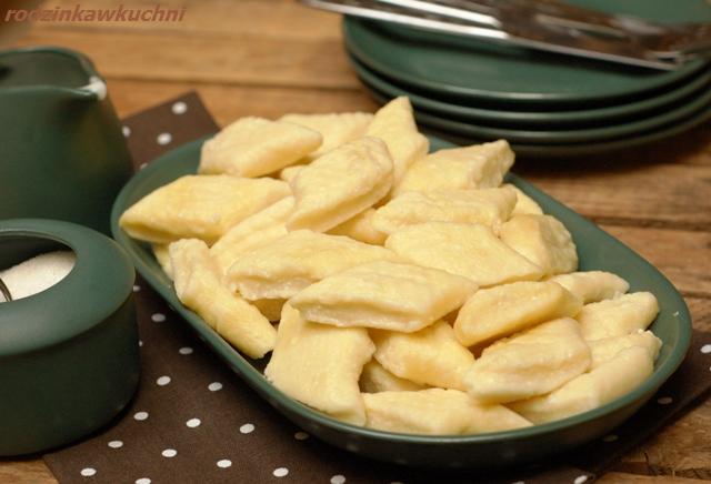 Pierogi leniwe dla leniwych_pierogi gotowane_pierogi z serem_dania wegetariańskie_dania błyskawiczne