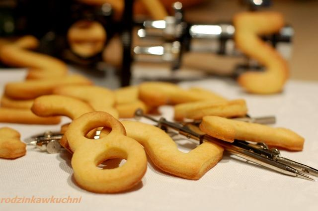 mądre ciasteczka_ciasteczka cyferki_ciastka kruche_dania dla dzieci