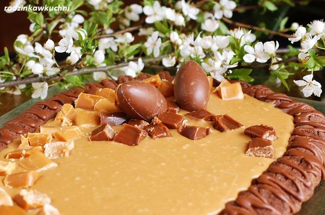 mazurek kakaowo-krówkowy_mazurek krówkowy na spodzie kakoowym_mazurek bezglutenowy_mazurek kajmakowy