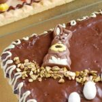 Mazurek śliwka w czekoadzie na spodzie owsianym