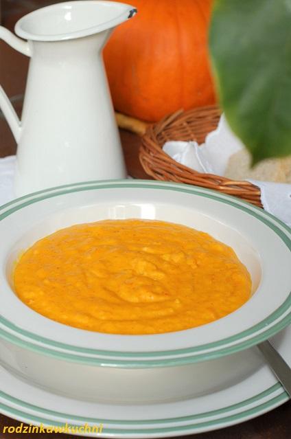 mleczna zupa dyniowa z lanymi kluskami_zupa dyniowa na mleku z lanymi kluskami_jesienna zupa_zupa dyniowa