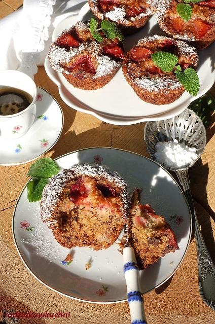 muffinki bananowe z czekoladą i śliwkami_do śniadaniówki_drugie śniadanie