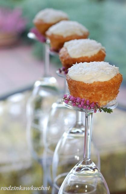 muffinki nadziweane raffaello_muffinki_kokos_błyskawiczne dania