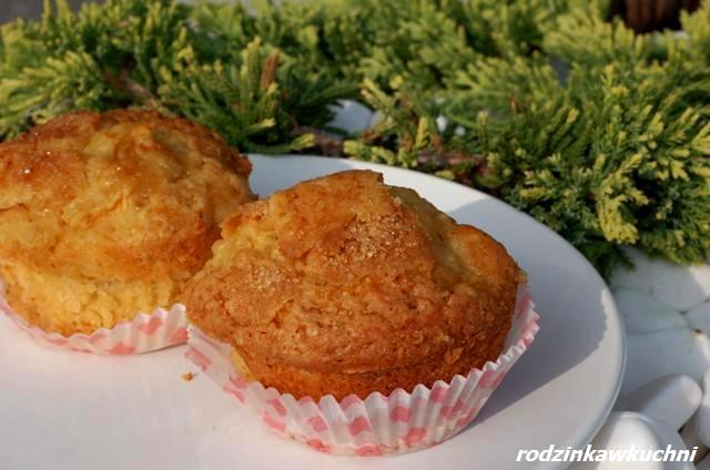Muffinki z gruszkami i imbirem_dania na jesień_ciasto z owocami_szybkie wypieki