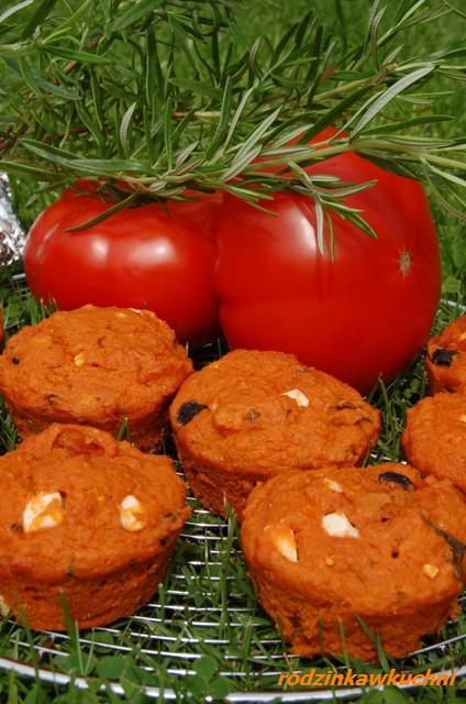 pełnoziarniste muffiny jak pizza_muffiny wytrawne_muffiny z ziołami_muffiny na słono