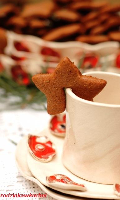 pierniczki II_miękkie pierniczki_ciastka z miodem i korzeniami_ciastka na Boże Narodzenie