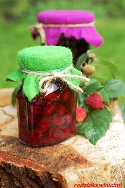 aronia, maliny i inne owoce w soku własnym_słodkie przetwory_owoce pasteryzowane_owoce na zimę