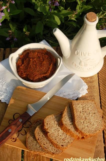 pasta z suszonych pomidorów_pasta do chleba_dania wegetariańskie_dania na lato