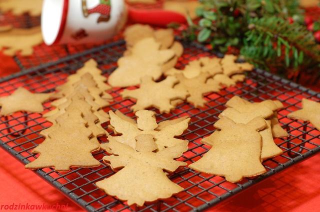 Pepparkakor_pierniczki szwedzkie_pierniczki chrupiące_cieniutkie pierniczki_ciasteczka na Boże Narodzenie