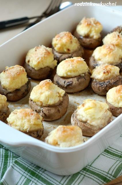 pieczarki faszerowane jak pierogi ruskie_wegetariańska przystawka_pieczarki z serem